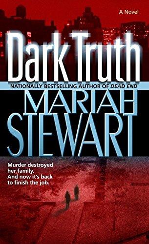 9780345476692: Dark Truth: A Novel