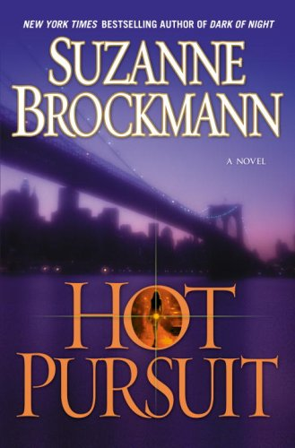 9780345501578: Hot Pursuit: A Novel