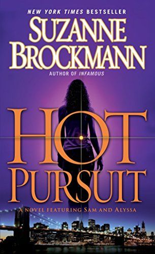 9780345501585: Hot Pursuit