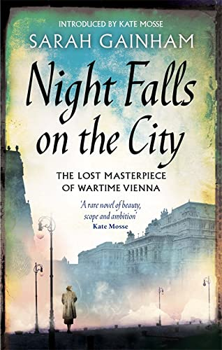 9780349000336: Night Falls On The City: The Lost Masterpiece of Wartime Vienna