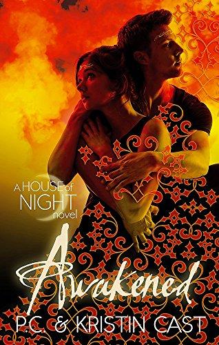 9780349001197: Awakened: Number 8 in series (House of Night)