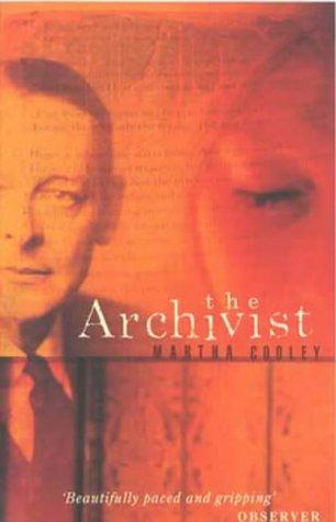 9780349109749: The Archivist