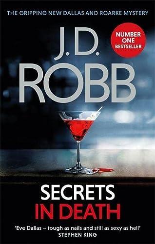 9780349415819: Secrets In Death