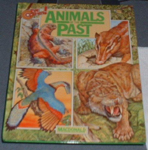 9780356070902: Animals of the Past (Eye Openers!)