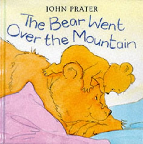 9780370327426: The Bear Went Over the Mountain (Baby Bear Books)