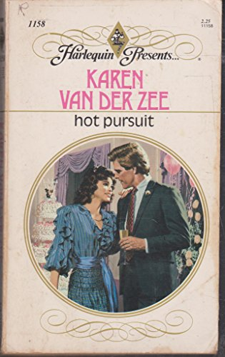 9780373111589: Hot Pursuit (Harlequin Presents)