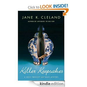 9780373268351: Killer Keepsakes (A Josie Prescott Antiques Mystery