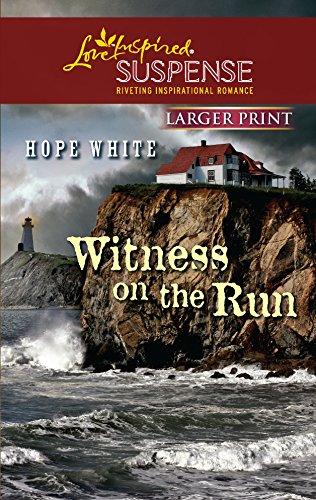 9780373674640: Witness on the Run (Larger Print Love Inspired Suspense)