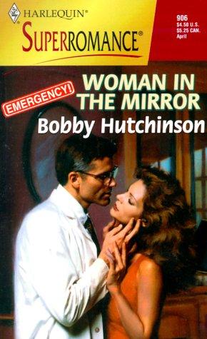 9780373709069: Woman in the Mirror : Emergency!