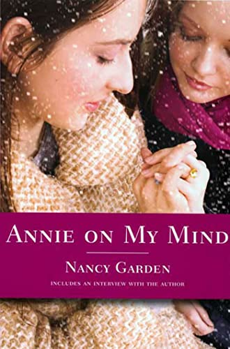 9780374400118: Annie on My Mind