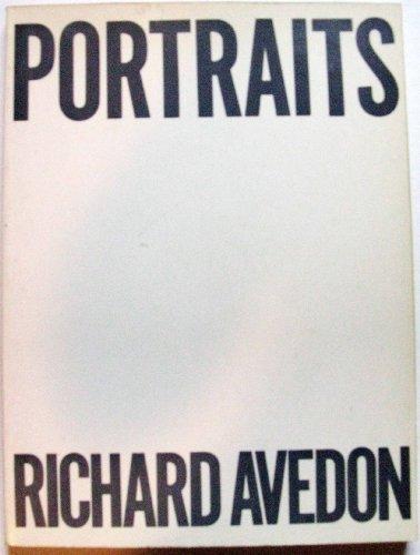 9780374514129: Portraits