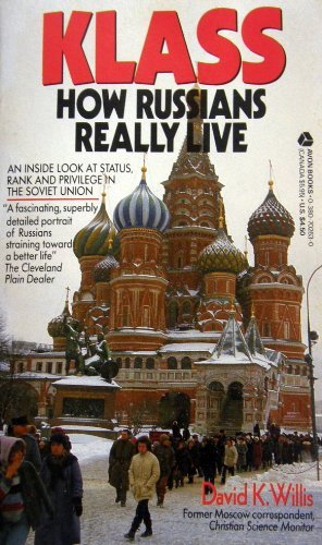 9780380702633: Klass: How Russians Really Live