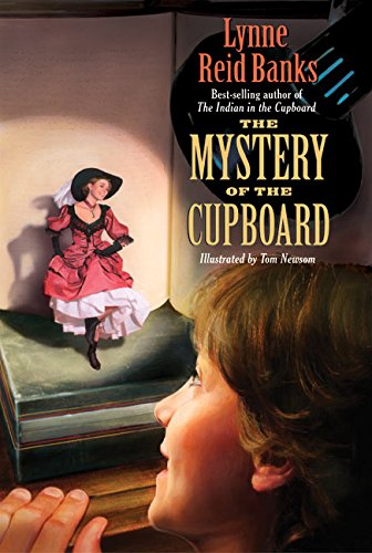 9780380720132: The Mystery of the Cupboard (Avon Camelot Books)