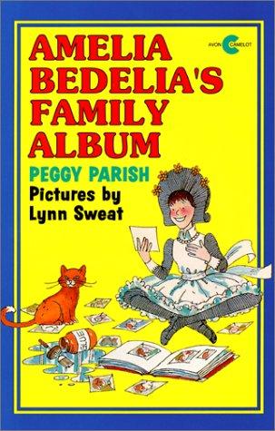 9780380728602: Amelia Bedelia's Family Album