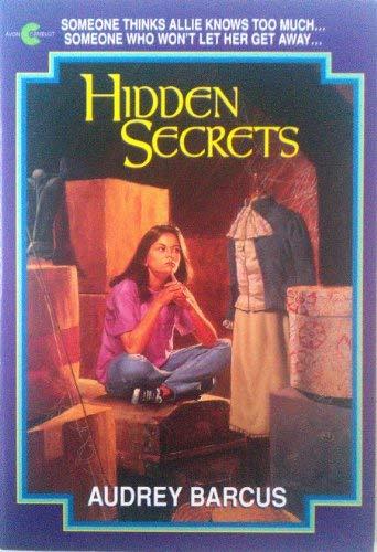 9780380783694: Hidden Secrets (An Avon Camelot Book)