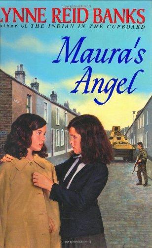 9780380975907: Maura's Angel (An Avon Camelot Book)