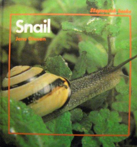 9780382093043: Snail (Stopwatch books)
