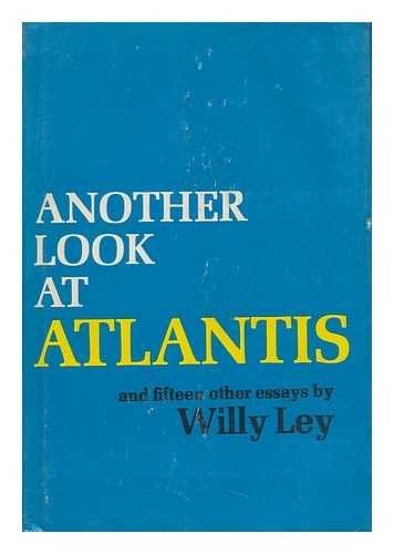 9780385019125: Another Look at Atlantis, and Fifteen Other Essays.