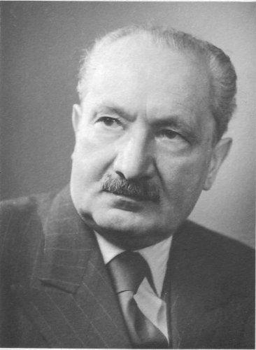 9780391038981: Inhabiting the Earth: Heidegger, Environmental Ethics, and the Metaphysics of Nature