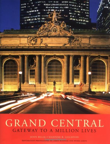 9780393047653: Grand Central: Gateway to a Million Lives