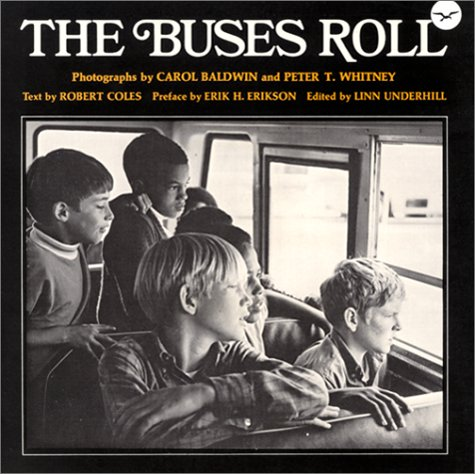 9780393055351: The Buses Roll