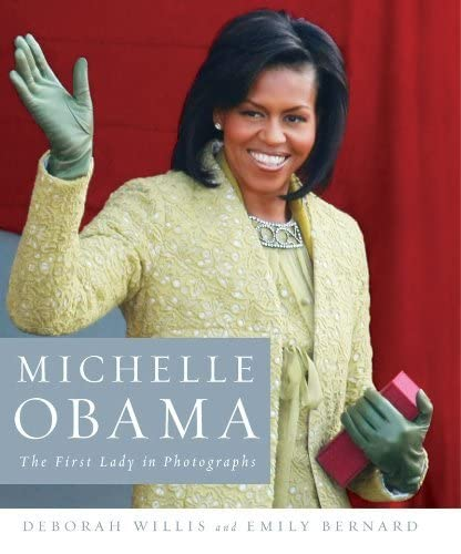 9780393077476: Michelle Obama: The First Lady in Photographs