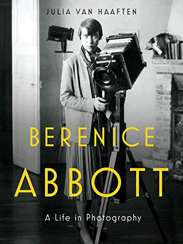 9780393292787: Berenice Abbott: A Life in Photography