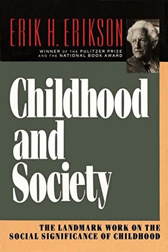 9780393310689: Childhood and Society