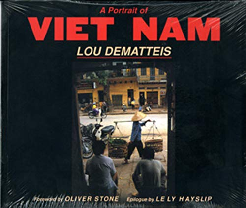 9780393314298: A Portrait of Vietnam