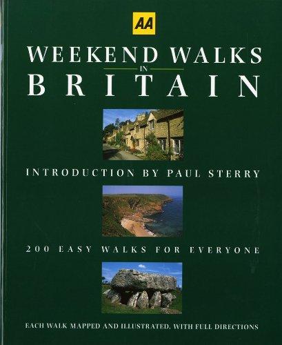 9780393315011: Weekend Walks in Britain (AA Guides)
