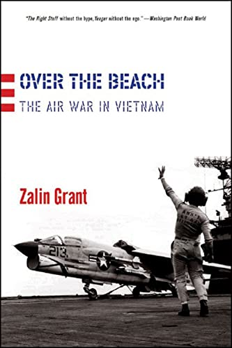 9780393327274: Over The Beach: The Air War In Vietnam