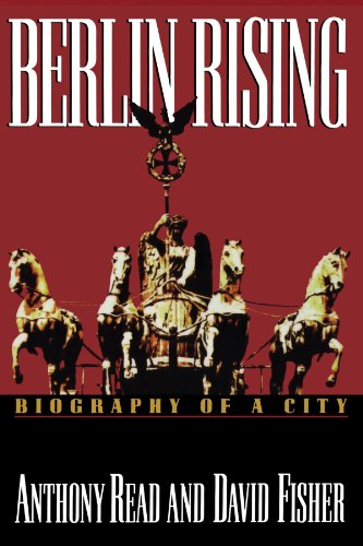 9780393331370: Berlin Rising: Biography of a City