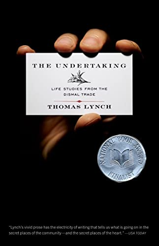 9780393334876: The Undertaking: Life Studies from the Dismal Trade