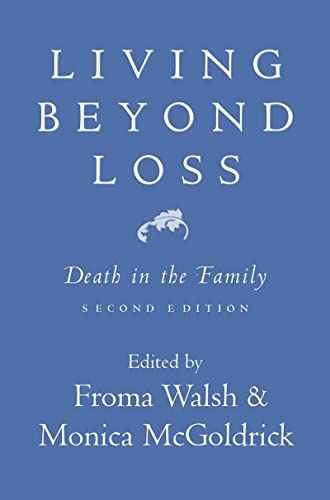 9780393704389: Living Beyond Loss: Death in the Family