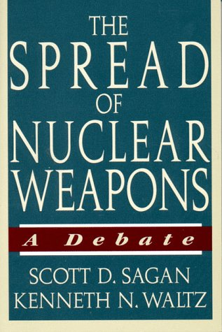 9780393967166: The Spread of Nuclear Weapons: A Debate