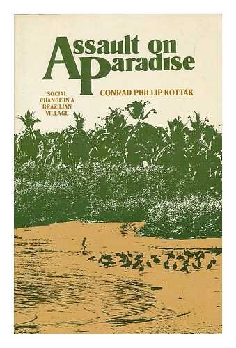 9780394334097: Assault on Paradise: Social Change in a Brazilian Village (Cultural Anthropology)