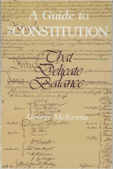 9780394341255: A Guide to the Constitution: That Delicate Balance