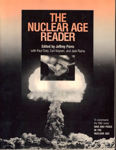 9780394382616: Nuclear Age Reader