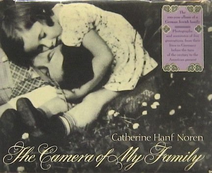 9780394488387: The Camera of My Family