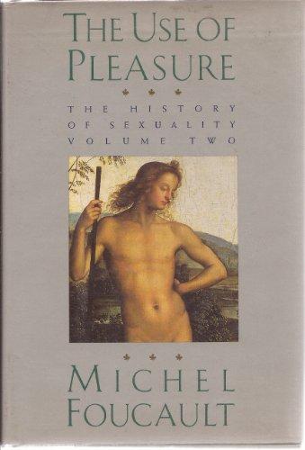 9780394543499: The Use of Pleasure V2