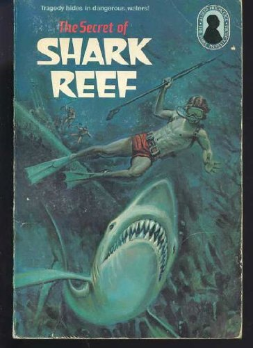 9780394842493: The Secret of Shark Reef (Alfred Hitchcock and the Three Investigators #30)