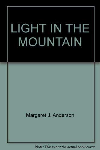9780394847917: Light in the Mountain