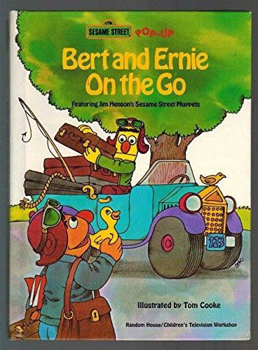 BERT & ERNIE ON THE GO (Ctw Sesame Street Pop-Up, 15): Street, Sesame