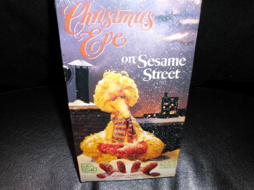 9780394897578: Christmas Eve on Sesame Street [VHS]