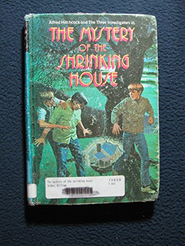 9780394924823: Alfred Hitchcock and the Three Investigators in the Mystery of the Shrinking House (Alfred Hitchcock Mystery Series, 18)