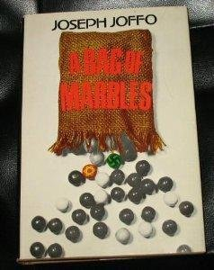 9780395193921: A Bag of Marbles (English and French Edition)