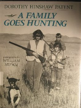 9780395520048: A Family Goes Hunting