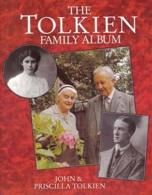 9780395599389: The Tolkien Family Album