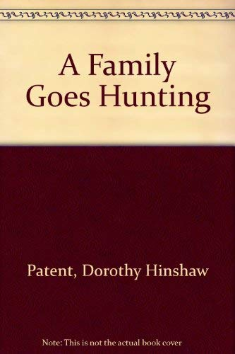 9780395665077: FAMILY GOES HUNTING PA