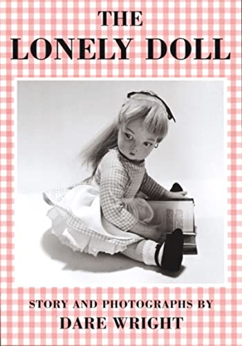 9780395901120: The Lonely Doll (Sandpiper Books)